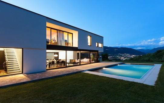 Maison monofamiliale, très confortable à vivre. Un petit paradis à deux pas de la frontière italienne. © Alexandre Zveiger – Fotolia