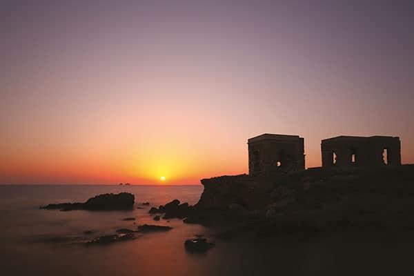J'ai pris cette photo en Grèce, à Naxos, l'une des îles magiques grecques, un soir de mai 2014. Voyager est vraiment une belle opportunité pour la photographie. Canon EOS 6D – EF16-35mm f/2.8L II USM – 22mm – 25s f/10 – 100ISO